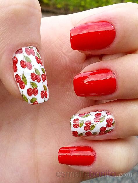 Unhas decoradas com cerejinhas