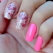 Unhas Decoradas com Borboletas e Flores Rosas