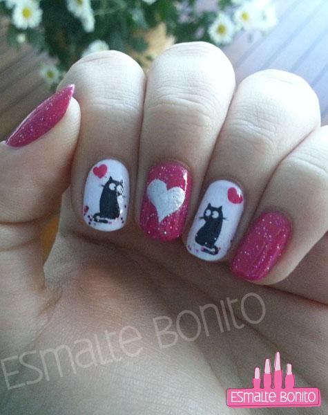 Unhas Para o Dia dos Namorados com Adesivo de Gatinho Preto