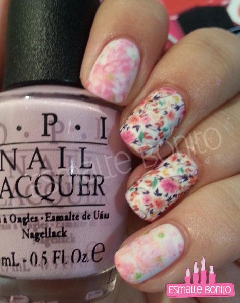 Adesivo de Florzinha + Saran Wrap Nails