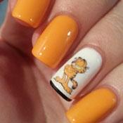 Unhas Decoradas com Adesivo do Garfield
