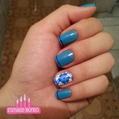 Adesivo de Unha Flor Azul