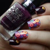 Esmalte Vamp da Nail Plus + Adesivo de Unha Floral