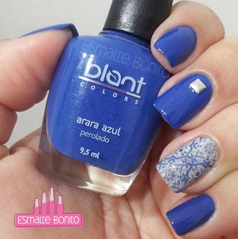 Esmalte Arara Azul Blant Colors + Adesivo Azulejo Português