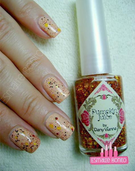 Glitter Pumpkin Juice by Dany Vianna