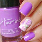 Ione Harina + Adesivo de Unha Floral
