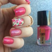 Esmalte Confusão Preta Gil + Adesivo de Hibiscos Rosas