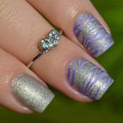 Esmalte Precious Jade + Unhas Carimbadas com Placa Betina B05