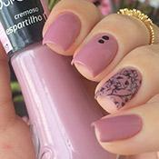 Esmalte Espartilho Vult + Adesivo de Rosas Pretas