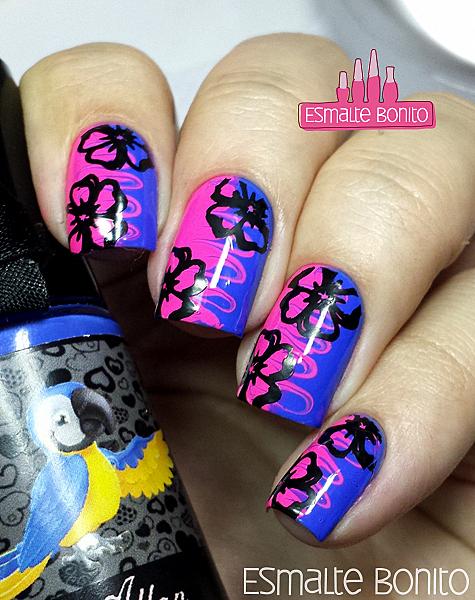 Nail Art com Palitinho com Carimbada de Flores